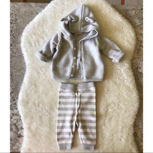 Grey + White Newborn Lot - (5) Pieces